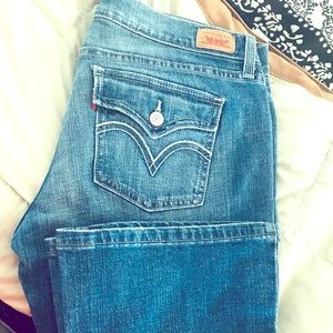 Levi's Low Waisted slim boot cut jeans